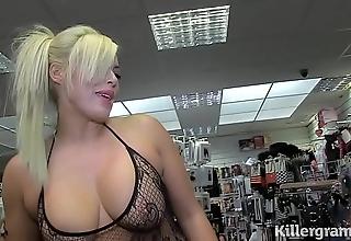 Sexy kirmess milf engulfing strangers knobs near carnal knowledge silver screen