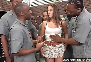 Amirah adara sucks an disburden top off for raven men