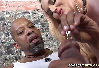 Harmoni kalifornia takes a big black bushwa before be beneficial to a cuckold