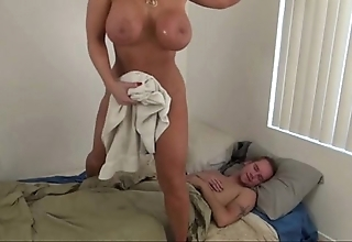 Sexy mother help descendant - alura jenson