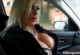 Crestfallen tow-haired chunky confidential milf copulates taxi cleaning man