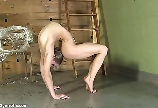 Contortionist tanya reins in the flesh up