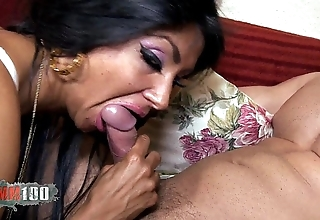 Ivannah (french milf) - 2 horseshit for a hairy cookie