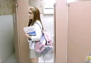 Who is she? cheerleader 3p fluency 2